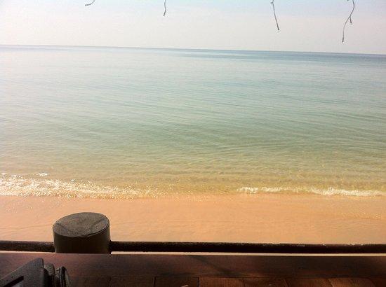 Paris Beach Village Phu Quoc: Vue depuis la table où l'on prend ses repas
