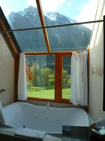 Estancia Peuma Hue: Bathroom with a view!
