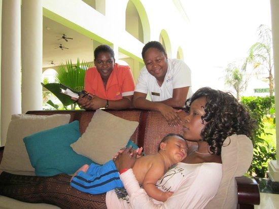 Grand Palladium Jamaica Resort & Spa: wife and friends