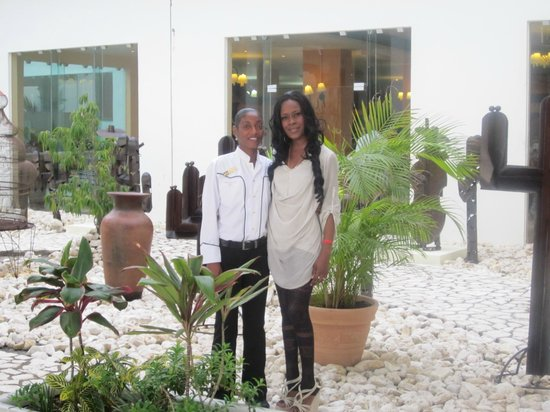 Grand Palladium Jamaica Resort & Spa: wife and friend
