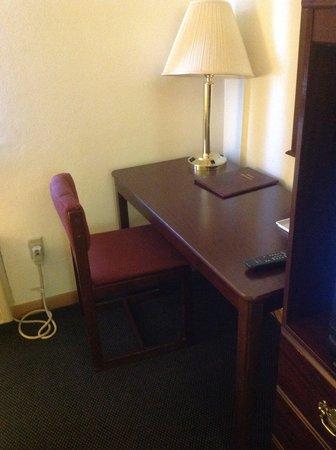 Days Inn Effingham : Desk