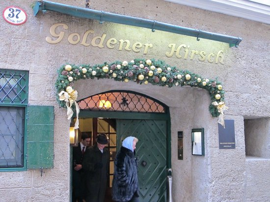 ‪‪Hotel Goldener Hirsch, a Luxury Collection Hotel, Salzburg‬: Front entrance‬