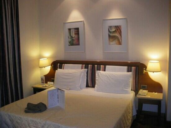 Hotel Laurus al Duomo: chambre