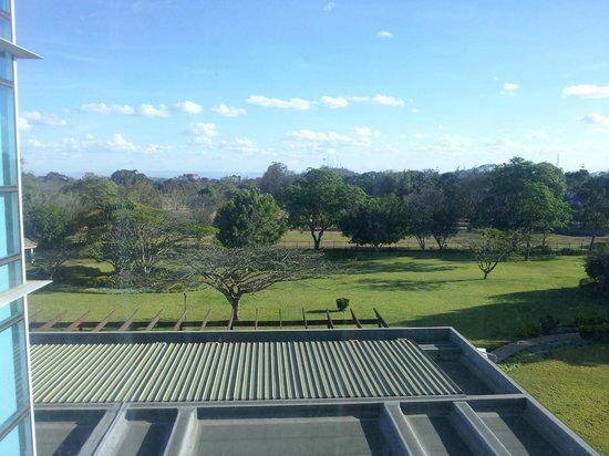 Mount Meru Hotel: View of golf course behind the hotel