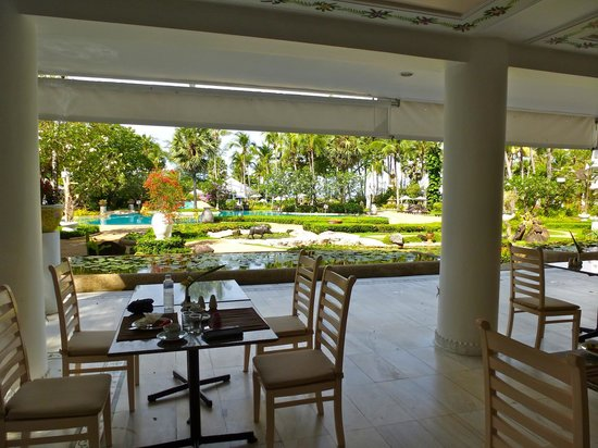 Thavorn Palm Beach Resort: Breakfast