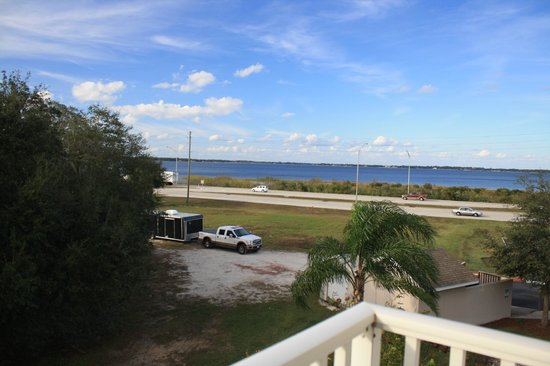 Residence Inn Sebring: Looking over the lake in Sebring from room