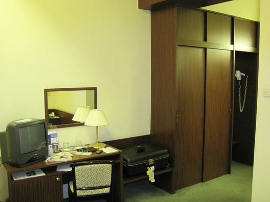 Hotel Hungaria City Center: Habitación