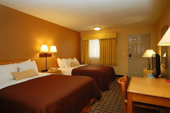 BEST WESTERN Nursanickel Motel: Two Queen Bed
