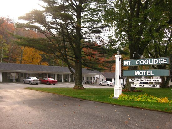‪‪Mt. Coolidge Motel‬: Fall Foliage at the Mt. Coolidge Motel, Lincoln, NH‬