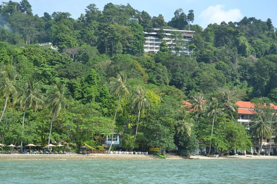 Sea View Resort & Spa Koh Chang: View of resort from the water
