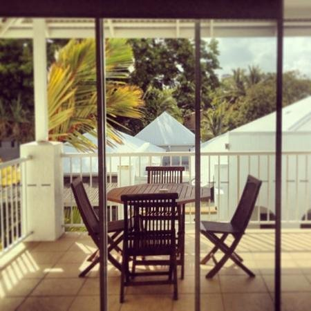 Mantra PortSea: room balcony