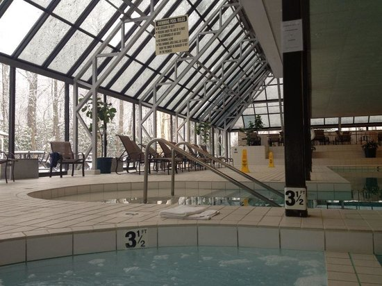 Princeton Marriott at Forrestal: Pool/whirlpool