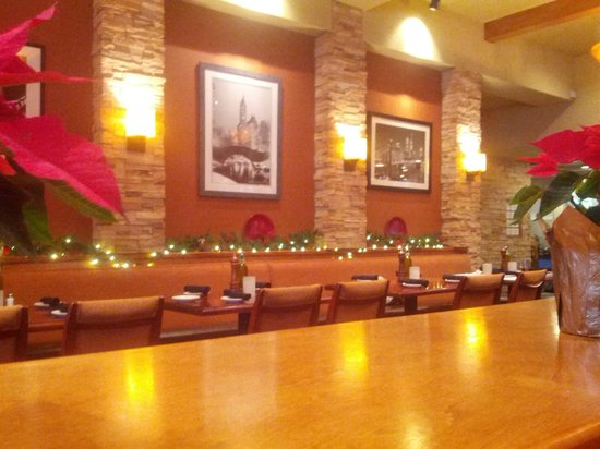 Restaurant At Christmas Time Picture Of Travinia Italian Kitchen