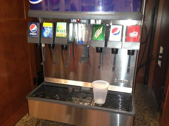 Drury Inn & Suites Denver Westminster: Free soda