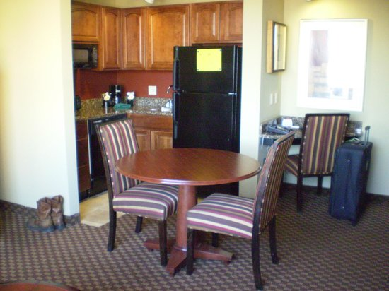 Clarion Collection Hotel Arlington Court Suites: From sitting area looking to kitchen area.