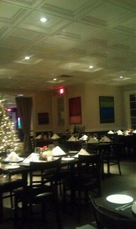 Bernies Holiday Restaurant: inside