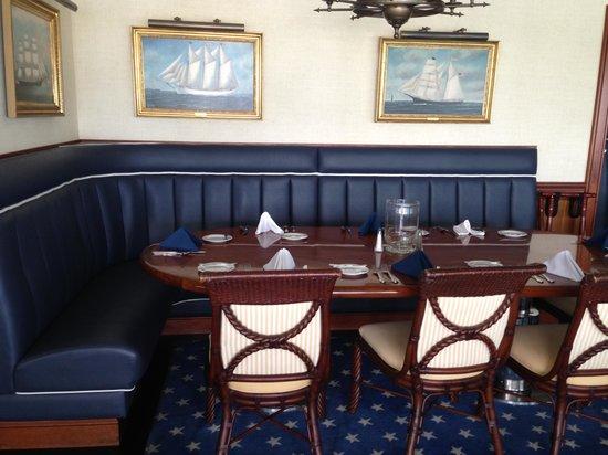 Eagle Grille: Inside of restaurant