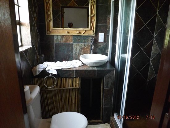 Tremisana Game Lodge: Bath at NoAfrica