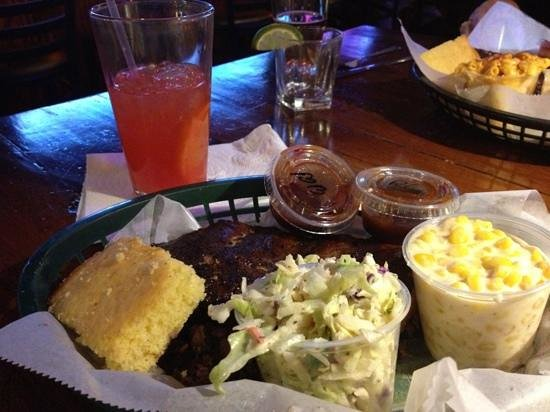 MoMo's BBQ and Grill: her dinner