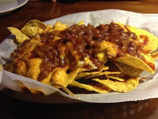 MoMo's BBQ and Grill: pulled pork app with beans - rockin!