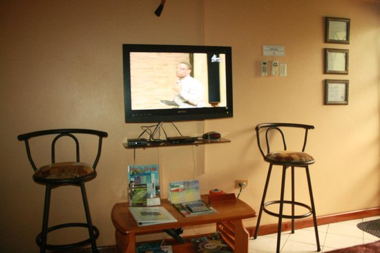 Native Abode: we enjoyed the free netflix movies, i even logged in to facebook from this tv