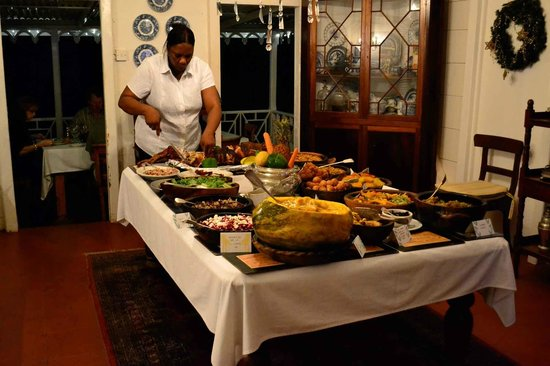 The Hermitage Plantation Inn: Wednesday Night West Indian Buffet (must try!)