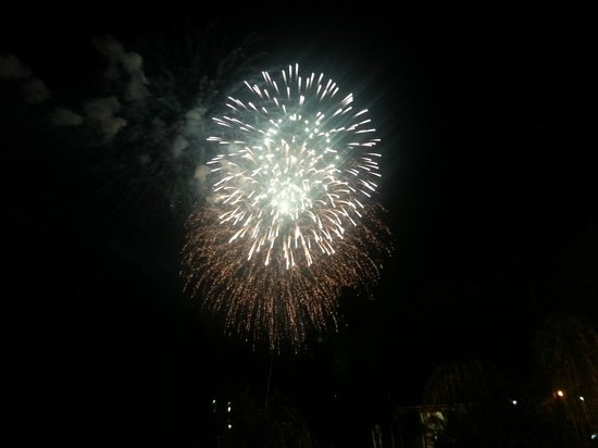 Anaheim Maingate Inn: Disneyland Fireworks
