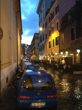 Trilussa Palace Congress & Spa : Streets of Rome - Walk to dinner from hotel