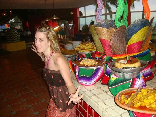 Royal Decameron Complex: me with all the treats!!!