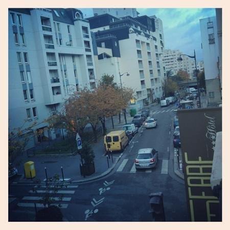لو فابي هوتل: view from room...a little noisy but nothing terrible 