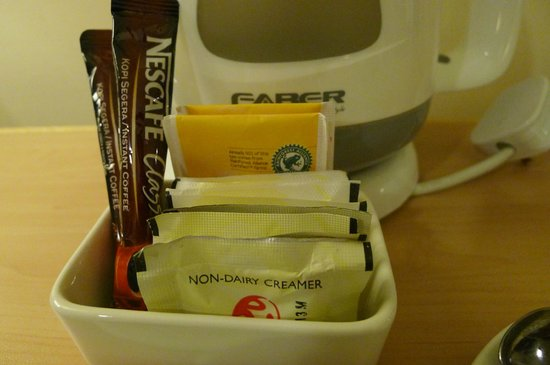 Resort Hotel Genting Highlands: Instant coffee and tea bags are provided