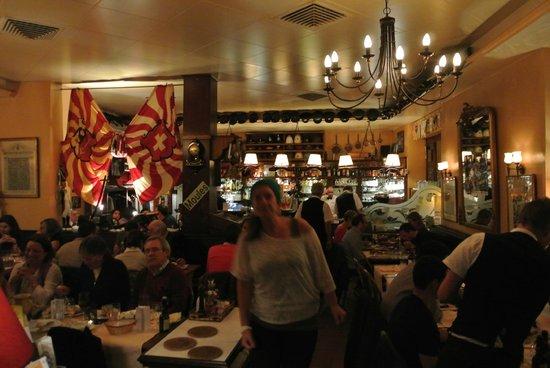 Brasserie de l'Hotel de Ville : Inside was busy