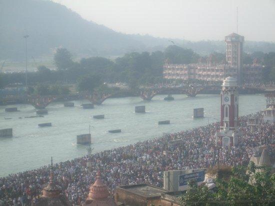 Hotel Har Ki Pauri: VIEW FROM THE TERRACE