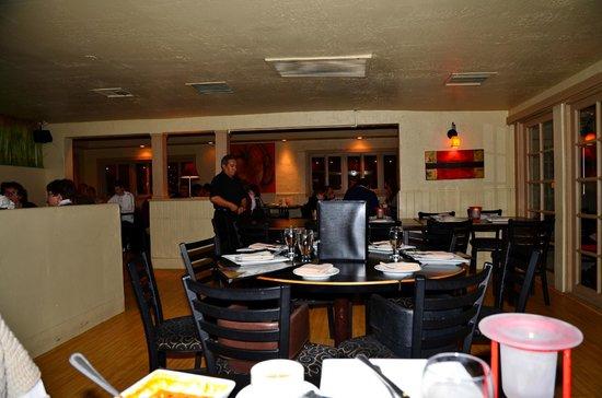 Malee's Thai Bistro : Malee's inside