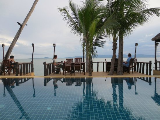 Phangan Cottages: poolside