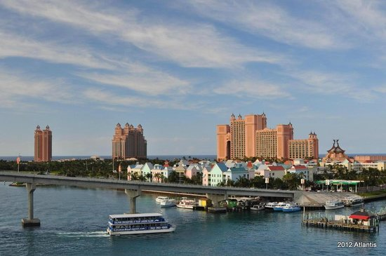 The Reef Atlantis, Autograph Collection: Reef is the leftmost building, facing the harbor and the beach.