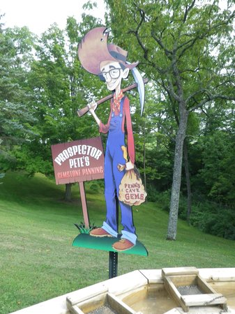Penn's Cave: Prospector Pete