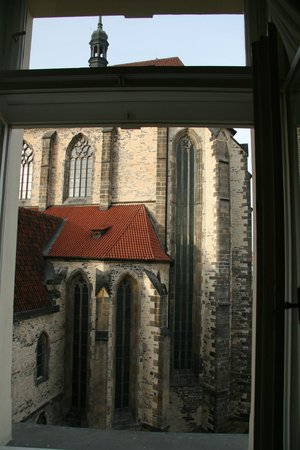 Ventana Hotel Prague: The rear of the Tyn Cathedral