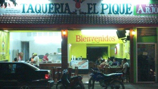 Taqueria El Pique: from across the street.