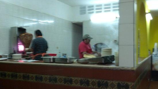 Taqueria El Pique: smells amazing!