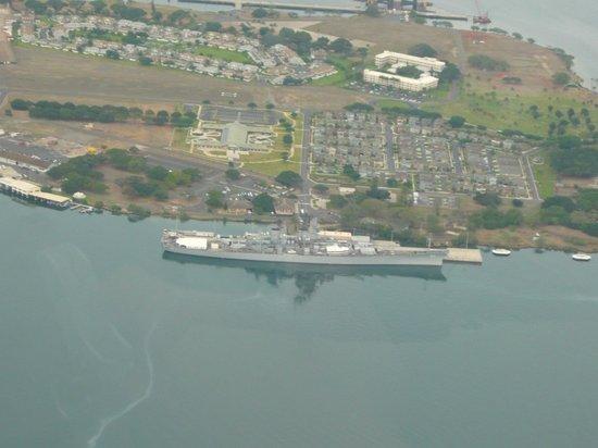 Makani Kai Helicopters: USS Missouri