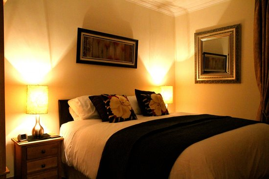 Beaches Guest House: Double bedroom