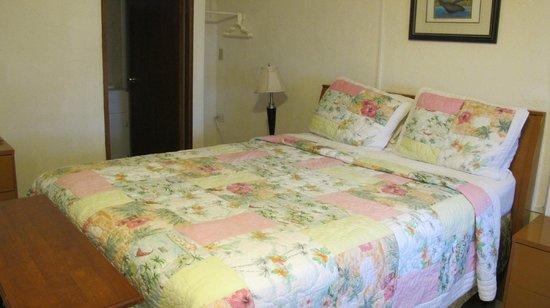 Coconut Palms Inn: The Whale Room 