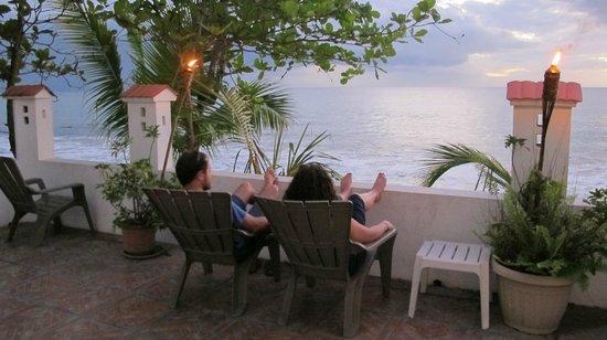 Coconut Palms Inn: relaxing