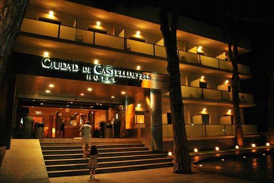 Hotel Ciudad de Castelldefels: front