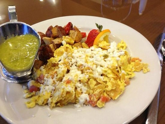 Hilton Houston Plaza/Medical Center : Migas at breakfast