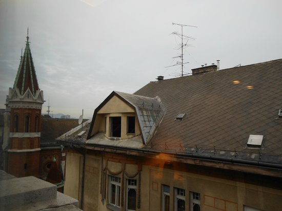 Hotel Palazzo Zichy: View from Room