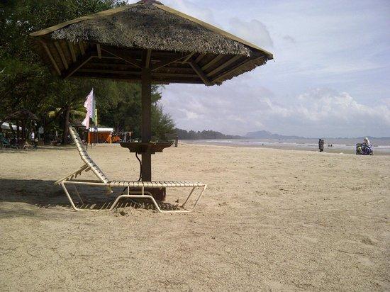 Swiss-Garden Beach Resort Kuantan: Beach