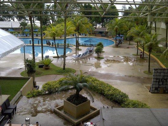 Swiss-Garden Beach Resort Kuantan: The Pool