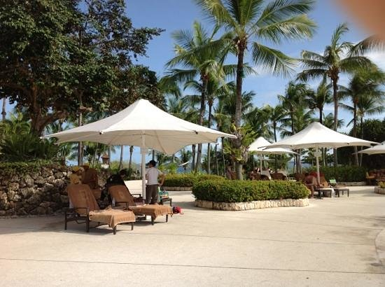 Shangri-La's Mactan Resort & Spa: Pool area